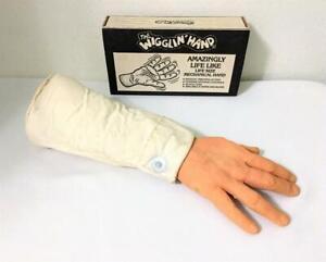 HALLOWEEN PROP THE WIGGLIN HAND LIFE LIKE PLUS SLEEVE VIC'S NOVELTY INC 1983