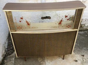 AMAZING RARE RETRO HIGH QUALITY DRINKS CABINET BAR VERY CLEAN   MAN CAVE