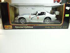 1997 Maisto Dodge Viper GTS-R Special Edition Car White/ Blue Diecast 1/18 NIB