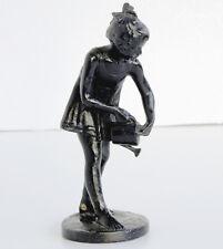 Statuette Blumen gießendes Mädchen Eisenguß dunkelbraun patiniert