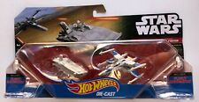 HOT WHEELS NAVES TRANSPORTER (FIRST ORDER) VS X-WING FIGHTER (RESISTANCE) NEW