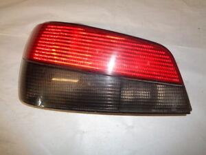 feu arrière d'occasion de Peugeot 306 phase 2 ou 3 coté conducteur (réf 5635)