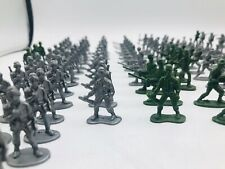 UK Supply 200 x Military Plastic Toy WW2 3.5cm Soldier Opposing Army Men Model