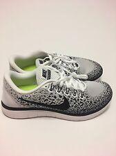 Nike Free Run Distance  SZ 10 White/BLK Dark Gray