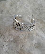 Solid Sterling Silver Flower and Swirls Toe Ring