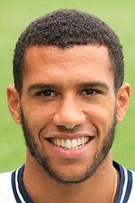 CALCIO FOTO > Etienne capoue Tottenham Hotspur 2013-2014