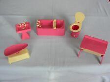 VINTAGE 5 PIECE MERIT PINK CREAM PLASTIC BATHROOM NURSERY DOLLS HOUSE FURNITURE