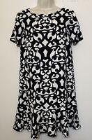 Ann Taylor Shift Dress Size 2 White Black Short Sleeve Scoop Neck Drop Waist