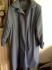 Beautiful Women Trench Coat by St Michael in very good condition.Size 16UK.