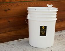 5 Gallon (60lb) Raw, Unfiltered Texas Honey from Desert Creek Honey. SHIPS FREE!