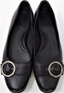 BØRN size 7.5 black flats cushioned insoles & arch supports leather uppers
