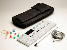 TEENAGE ENGINEERING  OP-1 Synthesizer effektgerät Soundmodul UVP 1289 EUR