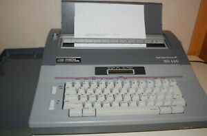 Vintage Smith Corona SD 650 Electric Typewriter, Spell Right Dictionary, works!
