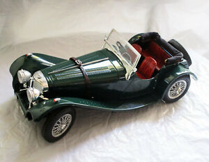 Jaguar SS100 1937 Green Diecast Model 1:18 Scale Special Collection