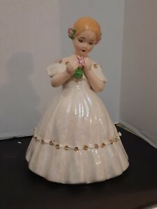Vintage Ceramic Girl 1950's Holland Mold, Pearl White & Gold Holding Flowers 10.