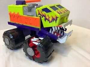 1992 Hot Wheels Attack Pack Blow Torch Fire Truck Mattel Vehicle Slaughterjaws