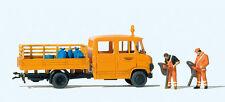 Preiser H0 33262 Straßenmeisterei MB L 407 D 2 Arbeiter mit Laubsaugern , Säcke