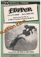 Flipper : Group Of Items / Toys Pertaining To Legendary Movie & Tv Star Dolphin