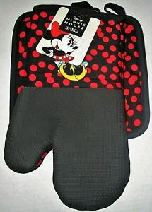 DISNEY Minnie Mouse   Oven Mitt & Pot Holder Set  BLACK WITH RED DOTS