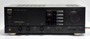 AKAI AM-52 Integrated Amplifier Black