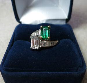 Bague Diamant et Emeraudes de grande qualité./ Ring in 18 carat