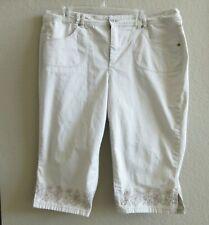 Gloria Vanderbilt 18W Perfect Fit Flatter Yourself CAPRI Jeans Embossed Stitchin