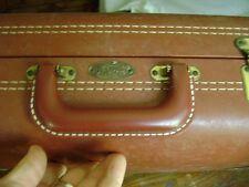 vintage Royal Vacationer suite case/luggage