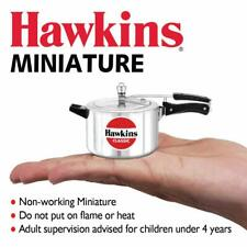 Hawkins Toy Cooker Silver comes with removable handle
