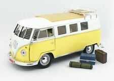 1962 VOLKSWAGEN MICROBUS W/ROOF RACK & LUGGAGE YELLOW 1:18 ROAD SIGNATURE 92328