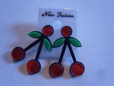 Ohrringe mit großen roten Kirschen schwarze Stiel grünen Blättern Kunststoff 951