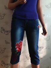 Ladies Beautiful mid length embroidered jeans rose jeans 3/4 length
