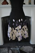 Ladies Pretty Black Floral Linen Skirt. Size 12.  Free Postage.