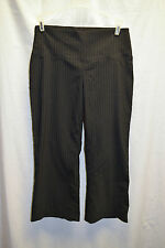 Womens Reitmans Size 5 / 6 Black Pinstripe Capri Pants Wide Waist Band Leg Work