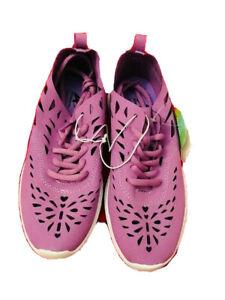 Athletech  girl size 4 Sport shoes purple memory foam laser cut out Flat vintag