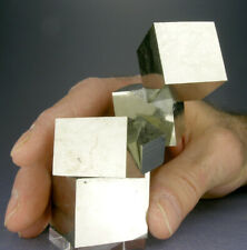 GRACEFUL SHINY 6-CUBE GOLDEN PYRITE CRYSTALS CLUSTER w A 3.2 CM CUBE + 3-D VIDEO