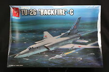 XH040 AMT 1/72 maquette avion 8832 Tupolev TU-26 Backfire C