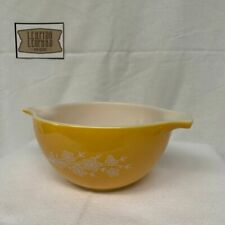 Pyrex Cinderella Mixing Bowl - Butterfly Gold