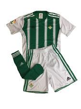 Adidas Betis Sevilla Niños Mini-Kit Camiseta / Corto / Medias de Deporte Talla