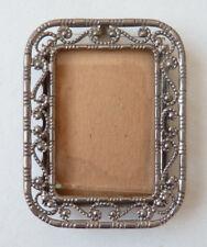 Petit cadre pour peinture miniature ou photo en métal argenté ancien