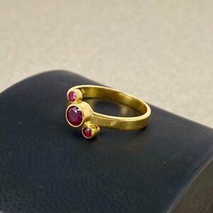 Ruby 18ct Yellow Gold - 3 stone Dress Ring 750 Modernist design rub over set 18k