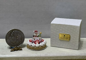 CHRISTMAS In July! Artisan Fancy Santa Fruit Cake & Box Dollhouse Miniature 1:12