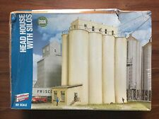 WALTHERS 1/87 HO SCALE CORNERSTONE HEAD HOUSE WITH SILOS KIT ITEM # 933-2942 F/S