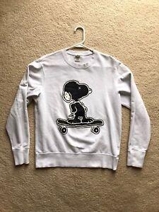 Kaws x Uniqlo x Peanuts Snoopy Skateboarding Sweatshirt White Size S