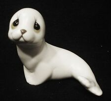Vintage White Seal Figurine By Oxford