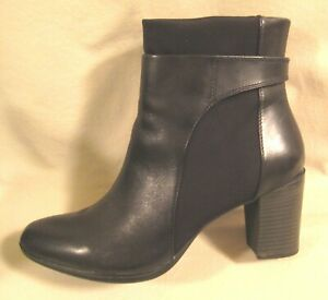 CLARKS BLACK LEATHER DRESS BOOTIE - WOMEN 9.5 M CHUNKY HEEL ANKLE BOOT