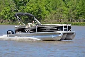 SUN TRACKER PARTY BARGE 24 XP3... TRITOON ...150 HP