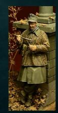 DDAY MINIATURE GERMAN WAFFEN SS SOLDIER EATING WWII Scala 1/35 Cod.35025