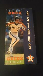 Vintage 1993 Houston ASTROS Media Guide Baseball Facts Jeff Bagwell