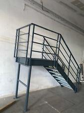 Podest Treppe Fluchttreppe mit Industrie Treppe  Pulverbeschichtet Höhe 1,54 m