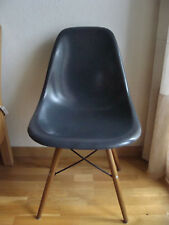 Véritable chaise EAMES Editions Herman Miller En fibre de verre grise